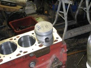 280SE manual trans  M130 009